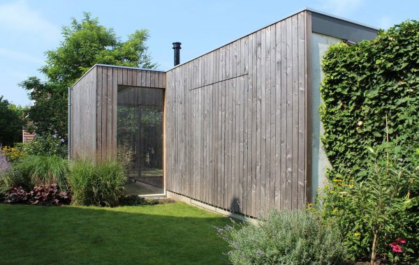 Verbouwing houten tuinhuis / atelier, Breda