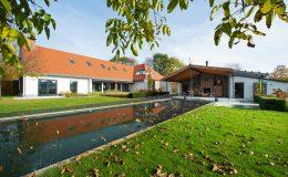 boerderij-verbouwen-overkapping-met-loungeplek-architect-1