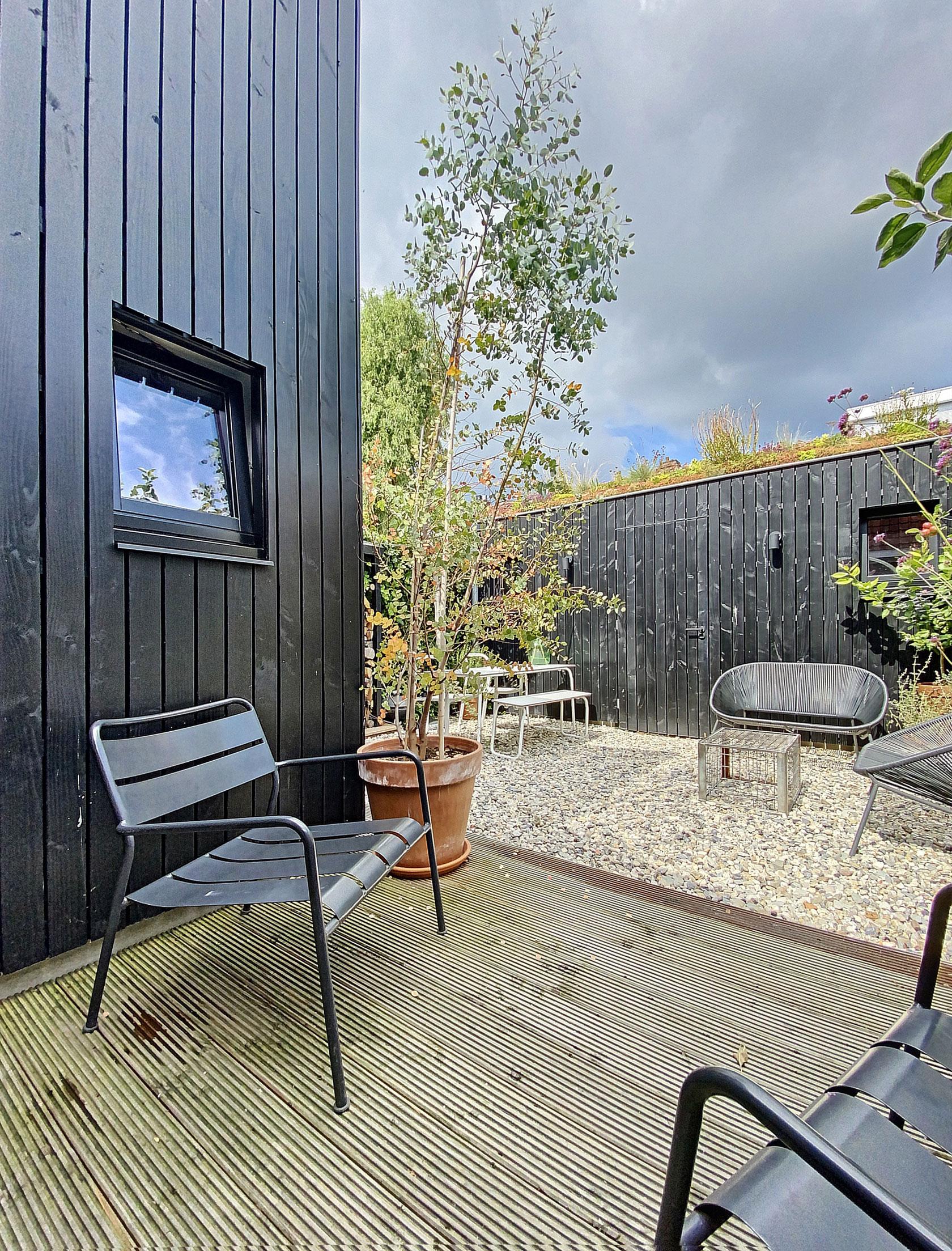 Aanbouw-houten-gevelbekleding-zwart-architect-Breda-3