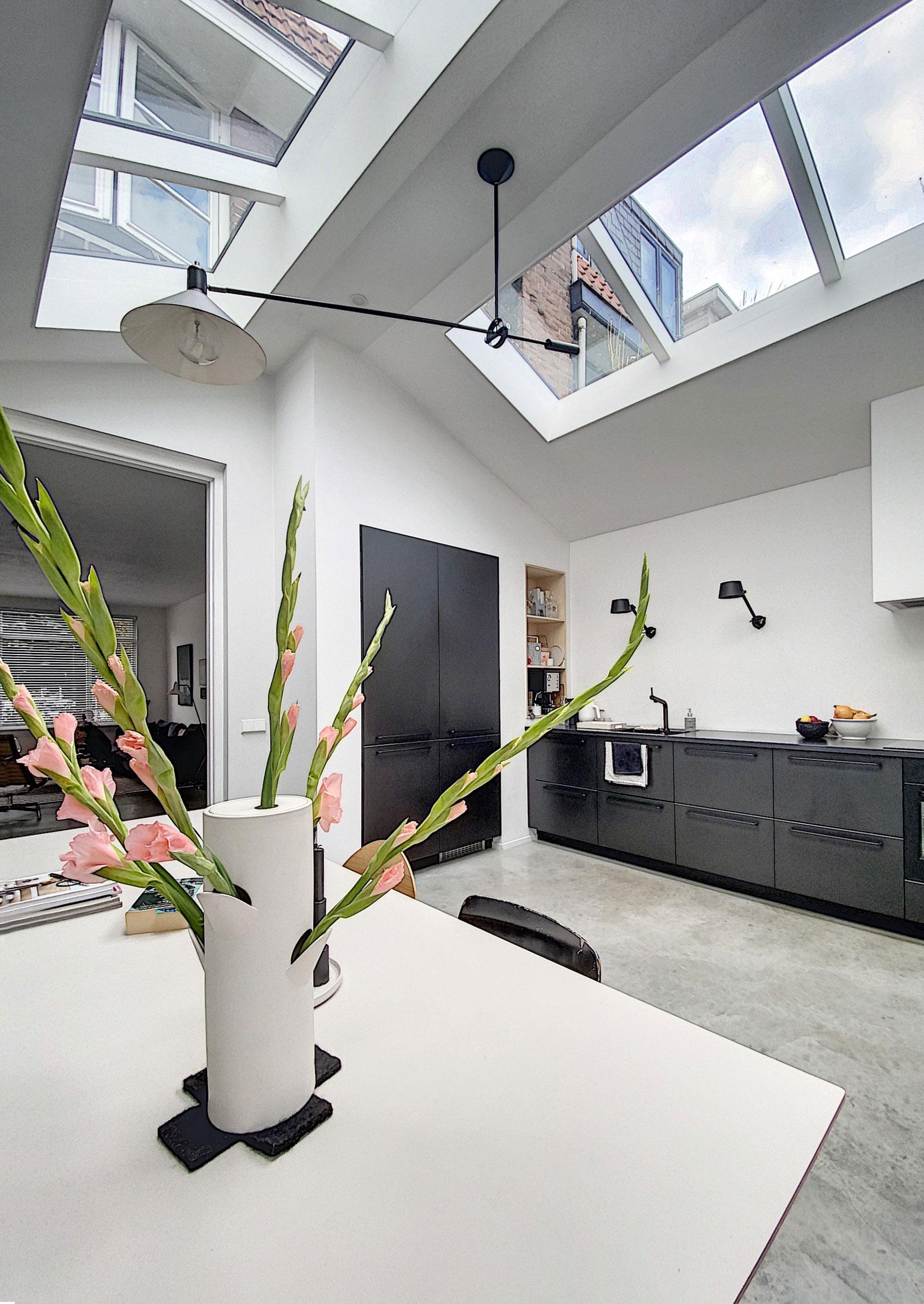 UItbouw-lichte-woonkeuken-architect-Breda-7