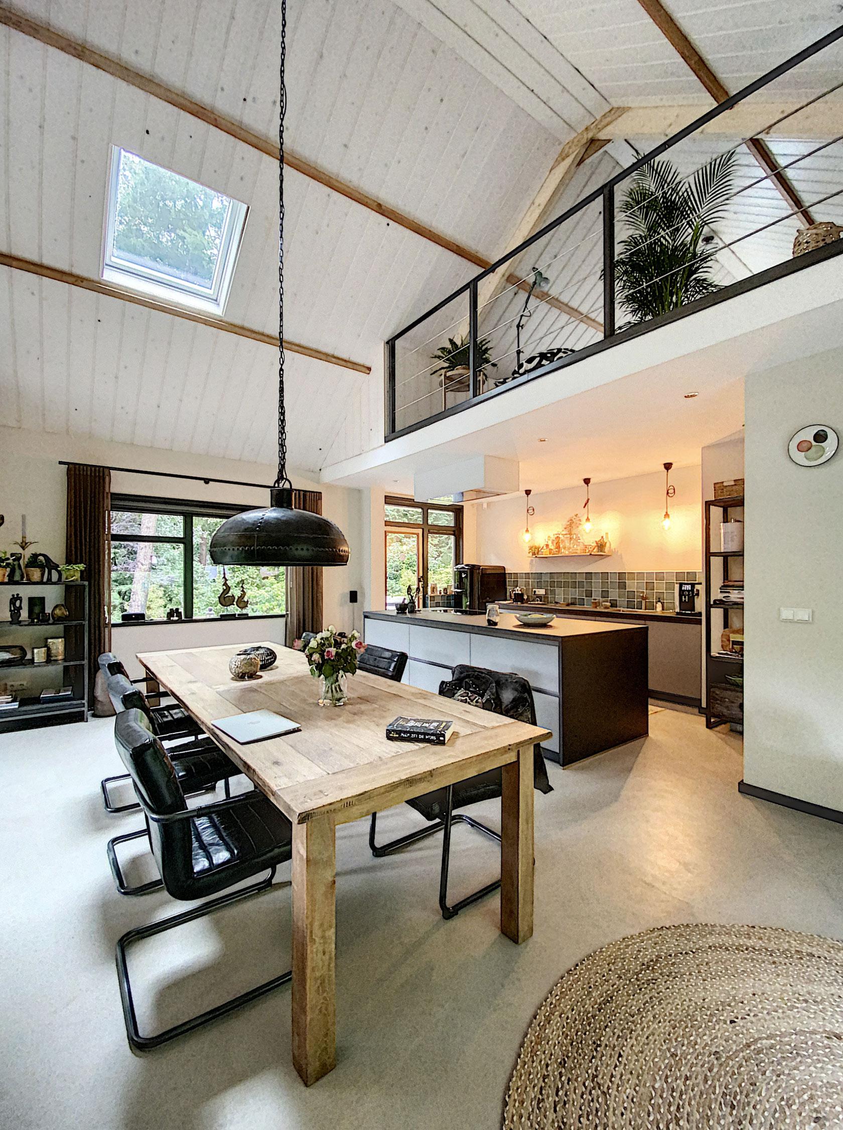 Verbouwing-woning-houten-balken-en-entresol-2