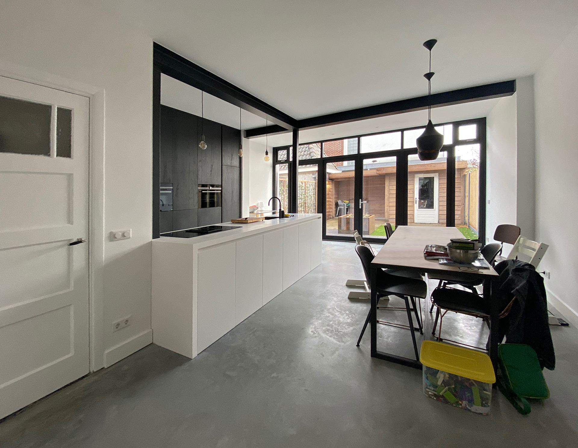 aanbouw-stalen-balken-zwart-ID-Architectuur-3