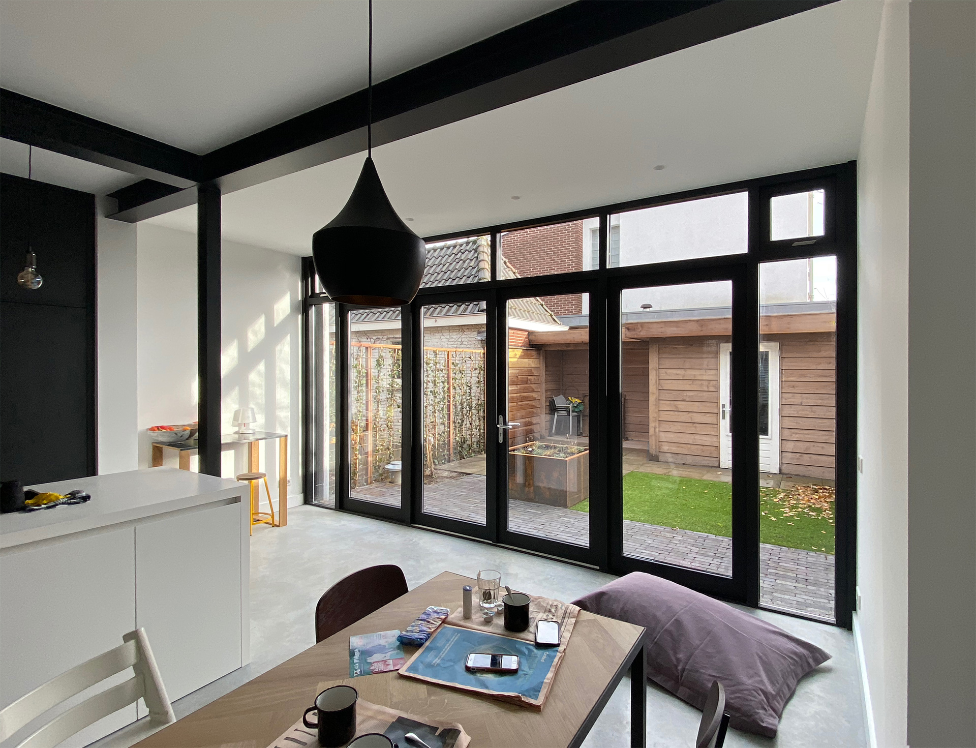 aanbouw-stalen-balken-zwart-ID-Architectuur-4